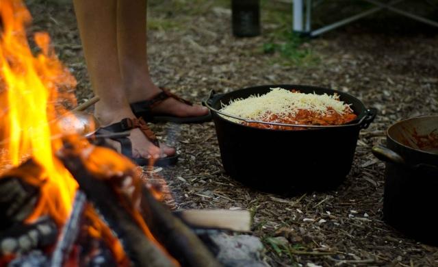 Wildnispaedagogik Weiterbildung Kochen Lagerfeuer