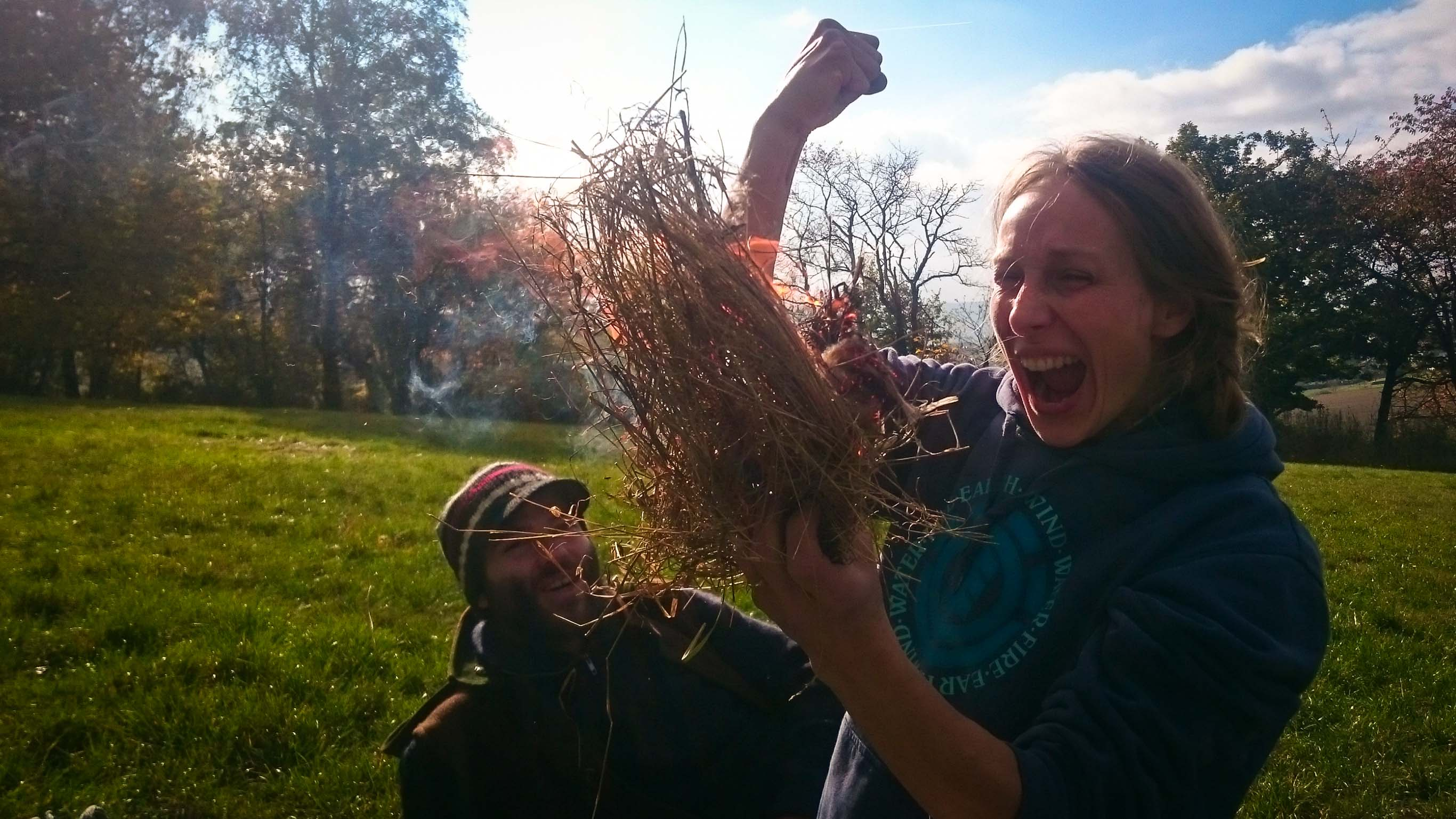 Wildnispaedagogik Weiterbildung Naturverbindung Feuermachen