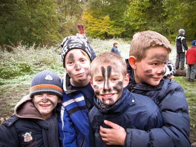 Wildnisschule Weltenwandler: Survival für Kinder - Wildnis Kindergeburtstag - Outdoorerlebnis