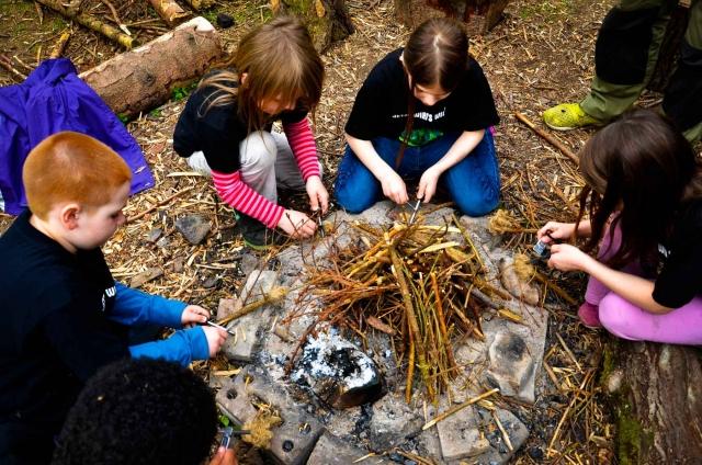 Survival fuer Kinder Feuer machen